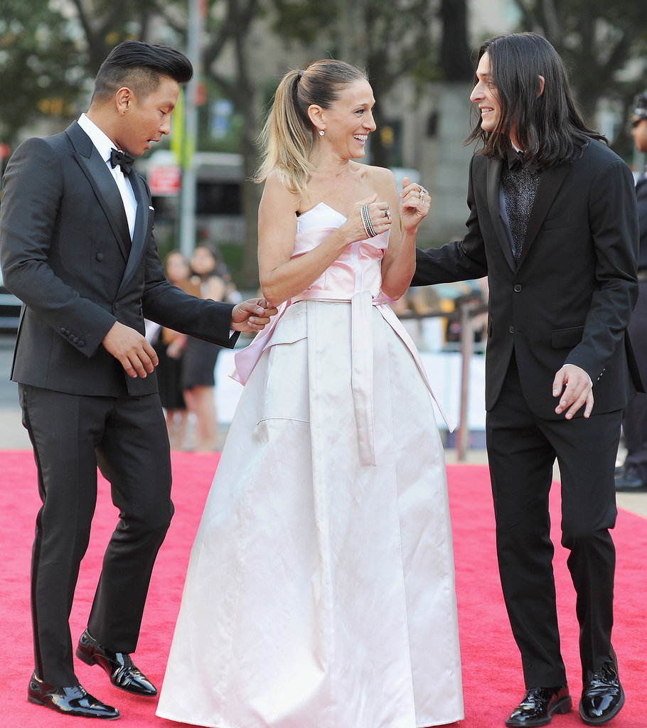 Sarah Jessica Parker laughed with her designer pals, Prabal Gurung and Olivier Theyskens, at the NYC Ballet Gala.