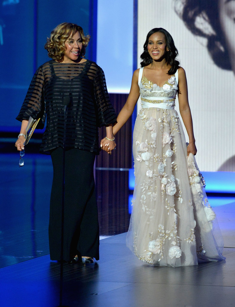 Diahann Carroll and Kerry Washington took the Emmys stage together.
