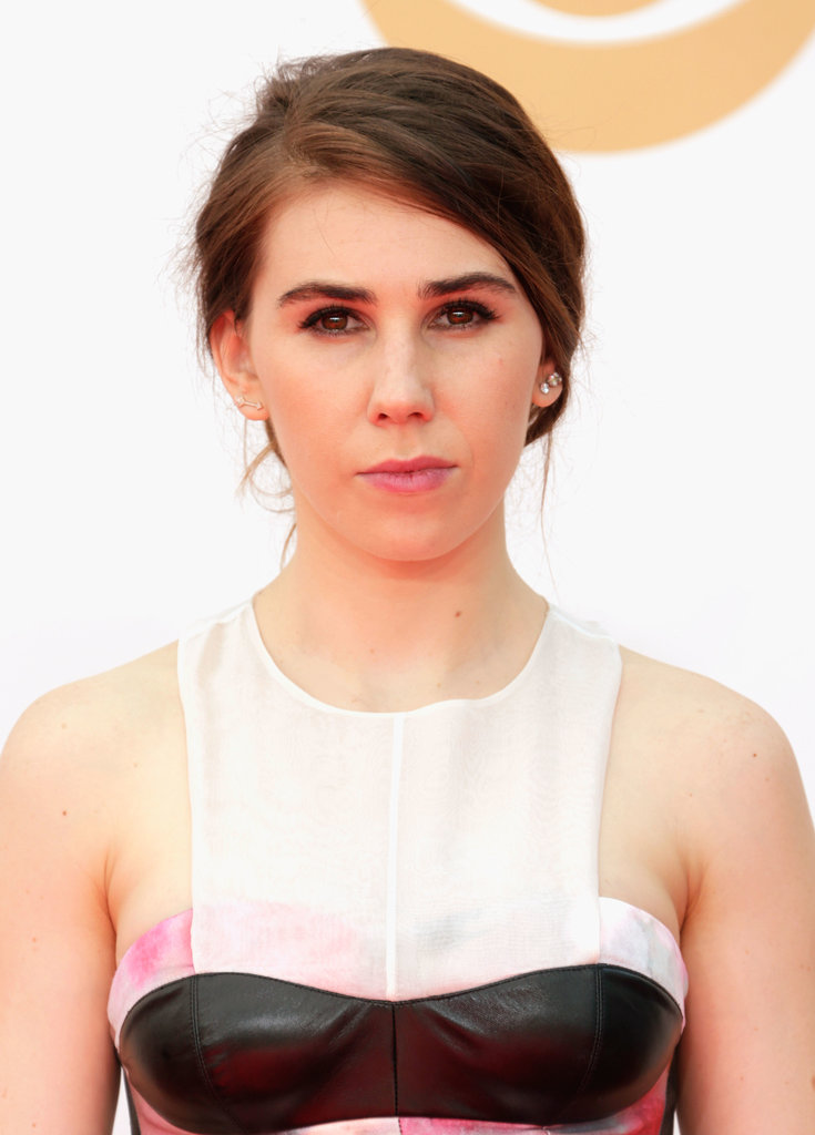 Usually we can count on Zosia Mamet to wear heavily rimmed eyeliner, but for the Emmy Awards, she forewent her signature makeup look for something a touch softer.