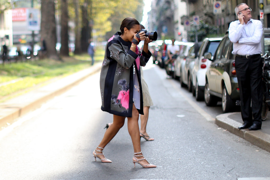 This photog doubled as a stylish street style model in a flash of florals.