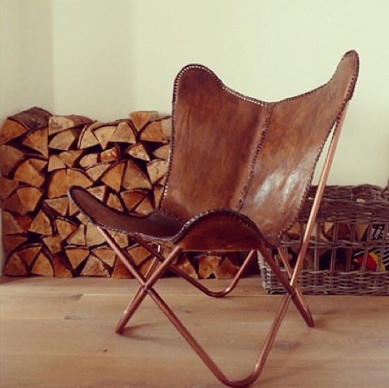 The copper frame and leather stitching on this butterfly chair take it to the next level. Source: Instagram user darrenkiely