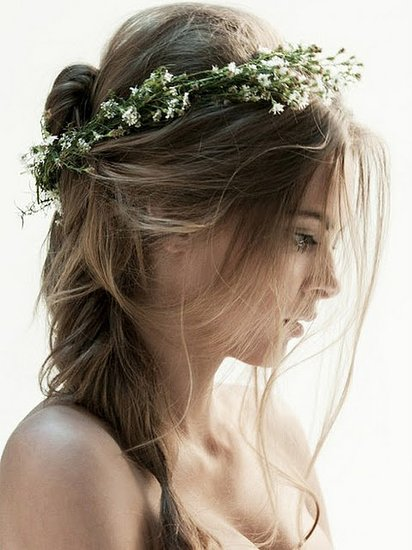 10 Flowers in Bloom This Spring  — Will You Wear a Floral Crown to Your Wedding?