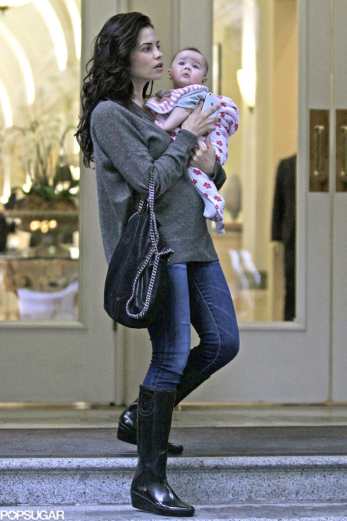 Jenna Dewan and Everly Tatum walked around rainy Vancouver on Sunday.