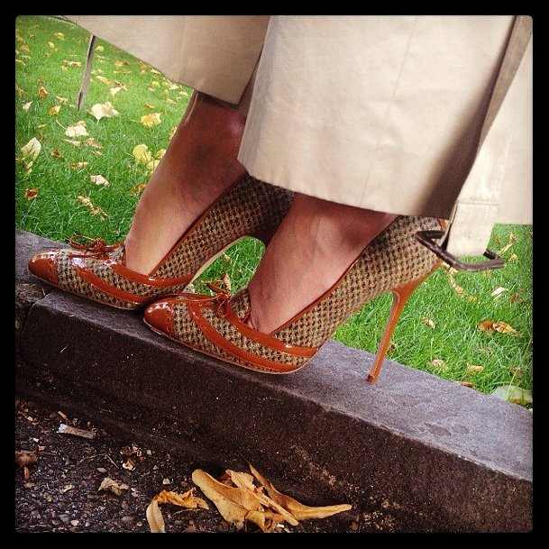 Hello, Fall! Manolo Blahnik welcomed Autumn with seasonal tweed pumps. Source: Instagram user manoloblahnikhq