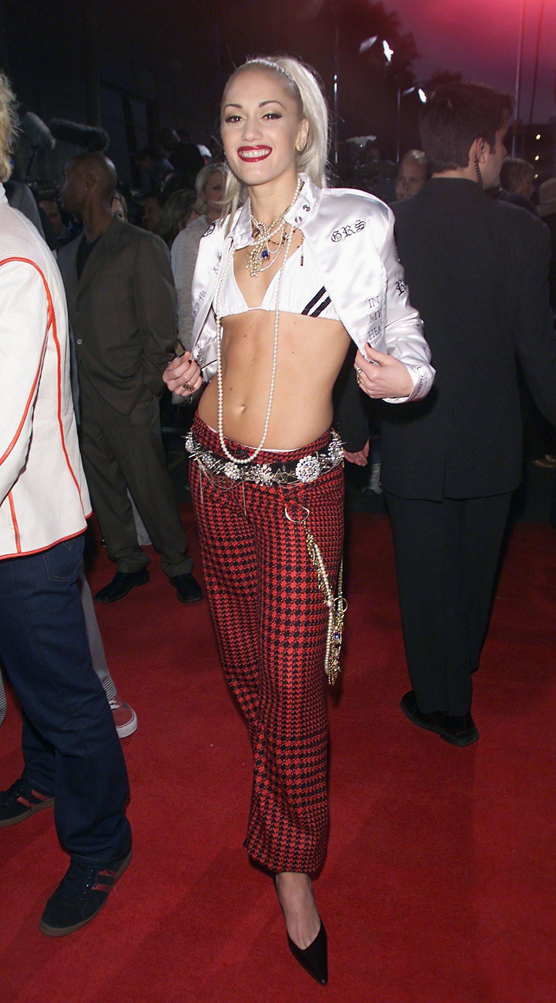... the Crop: Gwen Stefani's Ultimate Ab-Baring Looks | POPSUGAR Fashion Gwen Stefani
