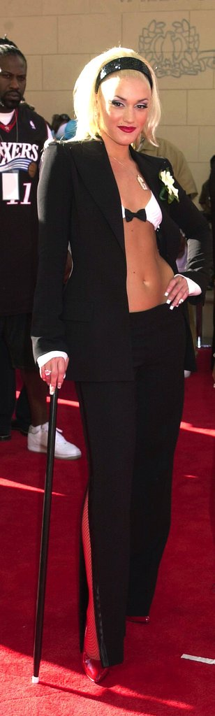 Gwen's bow-adorned bikini top lent major sex appeal to the menswear-inspired look she donned at the 2001 BET Awards.