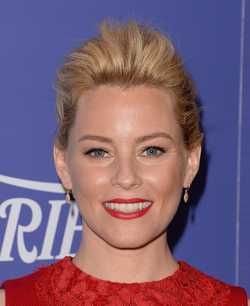With red lips and a red dress, Elizabeth Banks looked ultrapowerful.