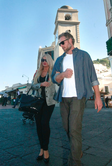 Jessica Simpson and Eric Johnson are vacationing in Capri.