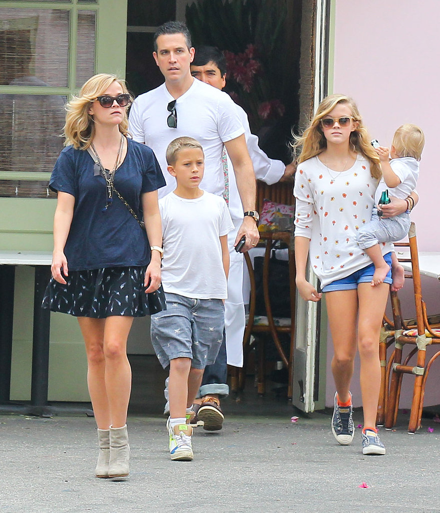 Reese Witherspoon walked with her husband, Jim Toth, and kids Deacon, Ava, and Tennessee.