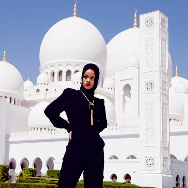 Rihanna embraced the local aesthetic in Abu Dhabi. Source: Instagram user badgalriri