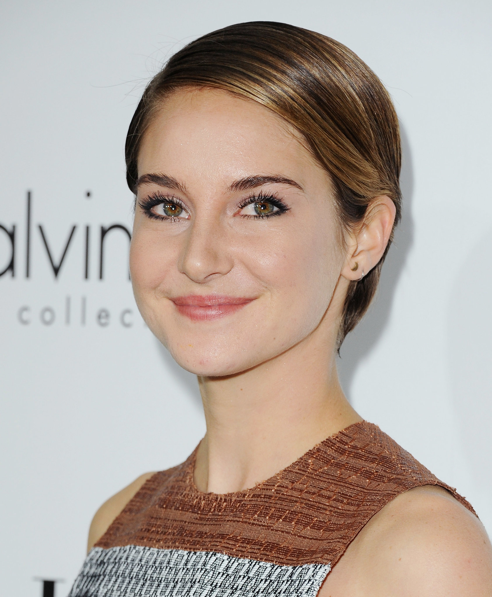 Shailene Woodley Debuted Her New Short Hair To The Fullest With A | Reese Goes Nude Lea Gets ...