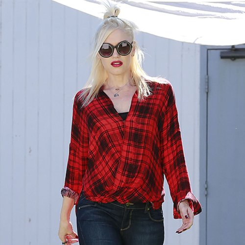 Gwen Stefani's Red Plaid Shirt | Video