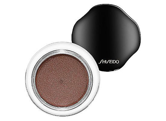 You don't have to be a makeup artist to fall in the love with the easy-to-apply Shiseido Shimmering Cream Eye Color, and you folks agreed on Pinterest.