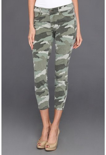 CJ by Cookie Johnson - Believe Crop in Camo Olive (Camo Oiive) - Apparel
