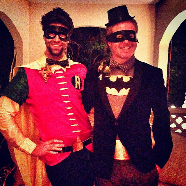 Jesse Tyler Ferguson and Justin Mikita dressed as superheroes Batman and Robin. Source: Instagram user jessetyle