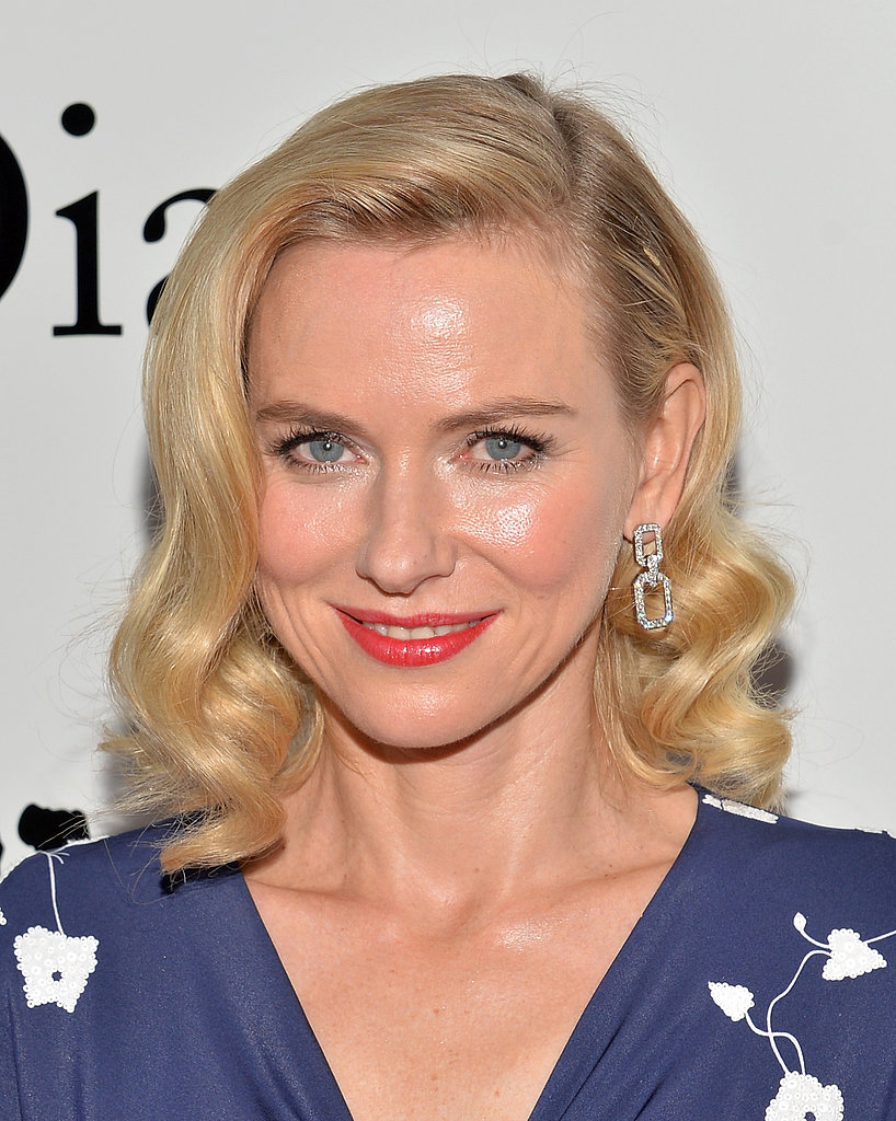 It was a vintage hairstyle for Naomi Watts at the premiere of Diana.