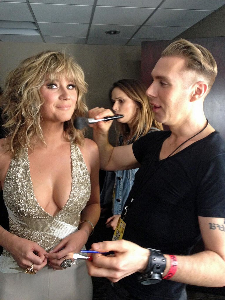 Jennifer Nettles glowed while getting ready for the CMAs. Source: Twitter user JenniferNettles