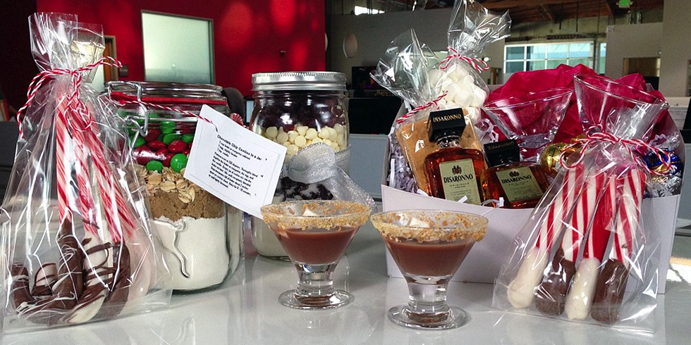 Easy Edible Gift Ideas Perfect For the Holidays