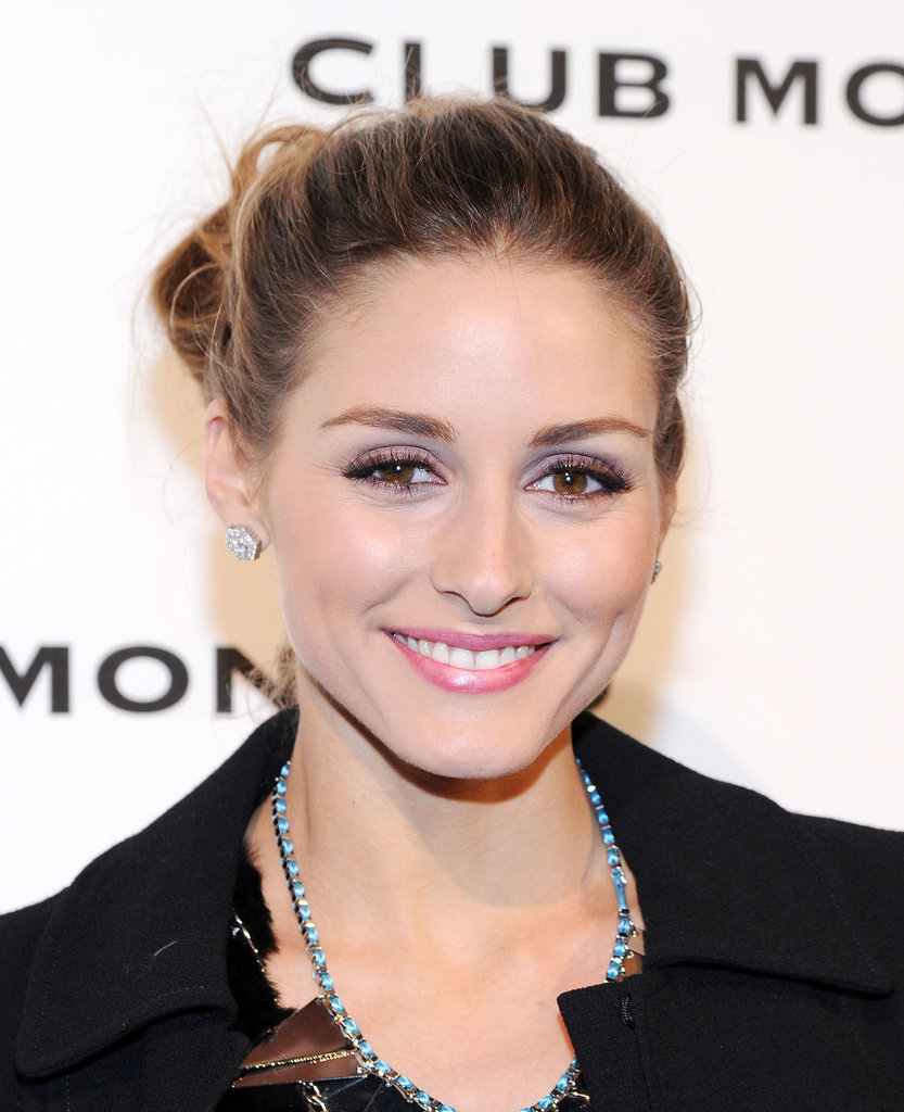 Olivia Palermo was out and about at an event for Club Monaco, and the style star skipped her typically neutral makeup palette for a pastel look instead. She wore a soft shade of lavender on her lids and a rosy pink on her lips.