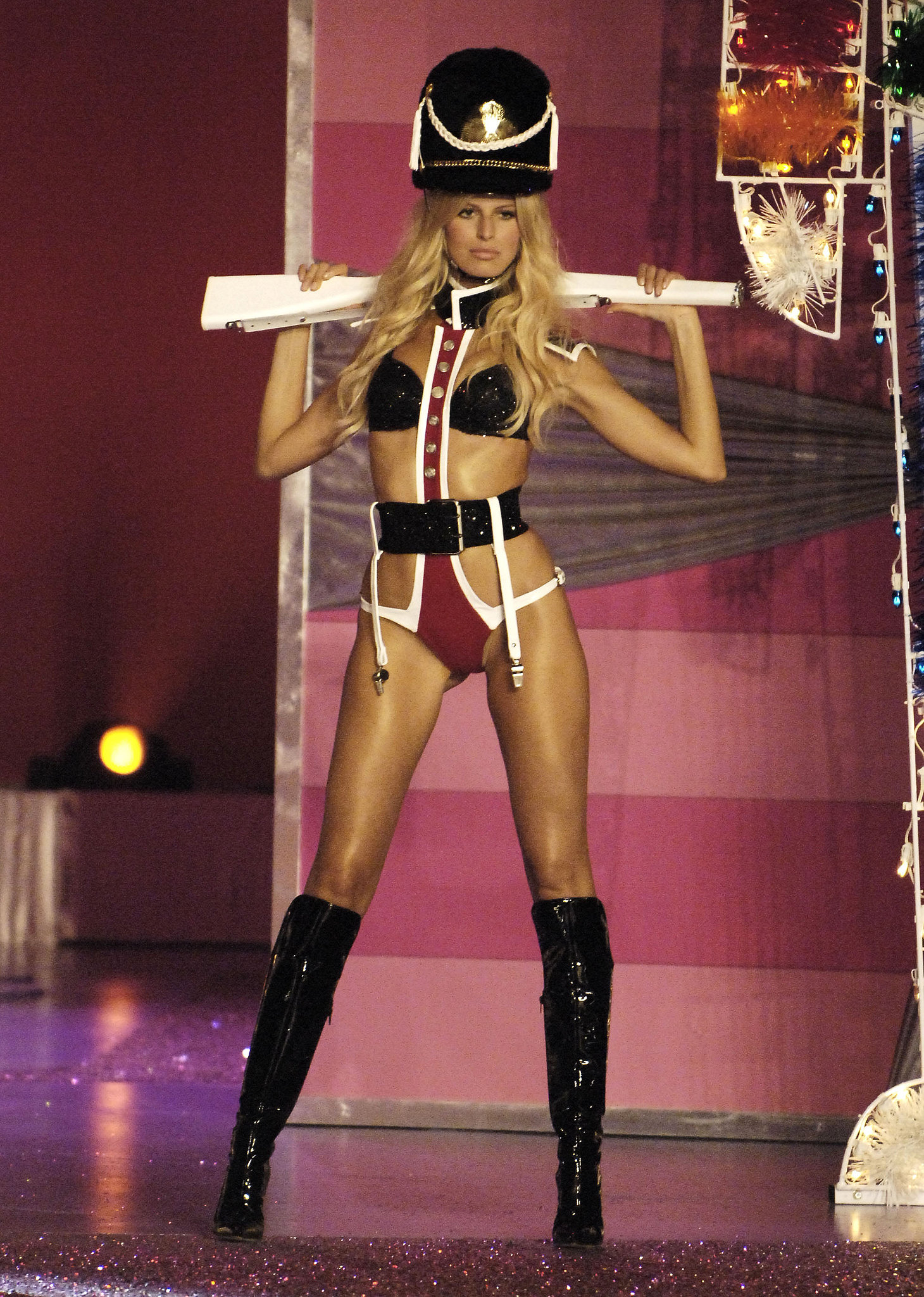 Karolina Kurkova was a sexy soldier during the 2005 show.