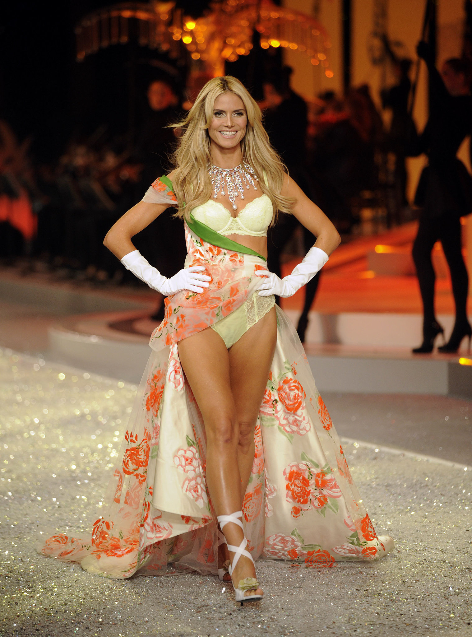 Heidi wore a pretty floral getup with a statement necklace in 2008.