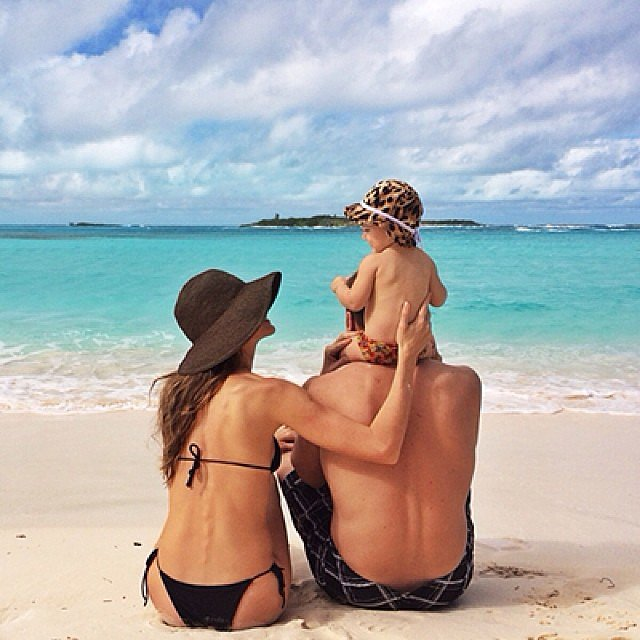 Gisele Bündchen shared an adorable snap of herself on the beach with her family. Source: Instagram user giseleofficial