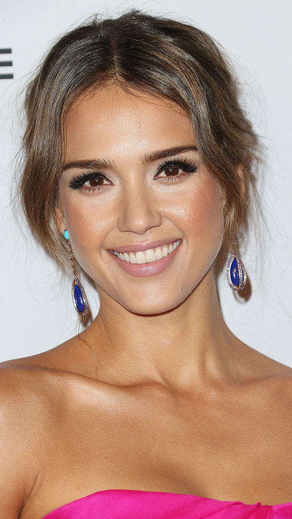 Jessica Alba's flirty makeup look is one to repeat. Reach for a pair of false lashes, and layer on the mascara!