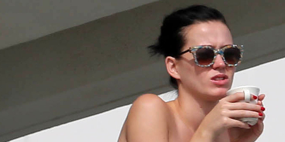 Katy Perry Wakes Up in Her Bikini