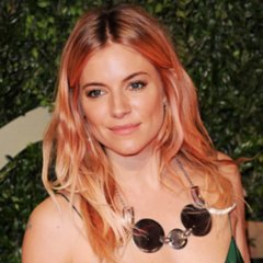 Sienna Miller With Pink Hair at the British Fashion Awards