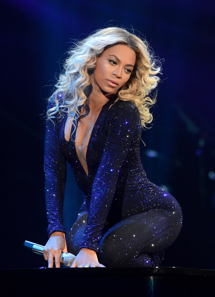 Beyoncé gave a sultry performance atop a piano.