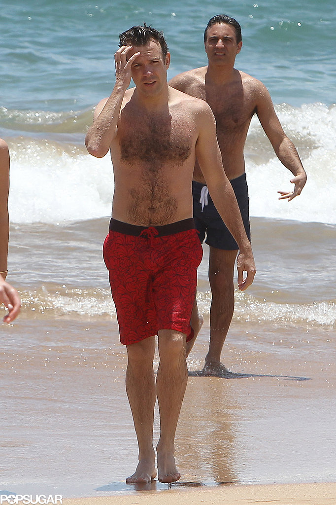 Jason Sudeikis soaked up the Hawaiian sun in May.