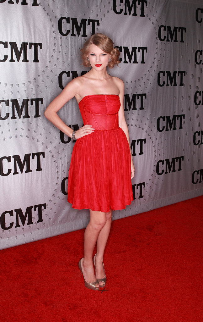 Swift commanded attention in a fiery strapless mini at the 2011 CMT Artists of the Year awards.