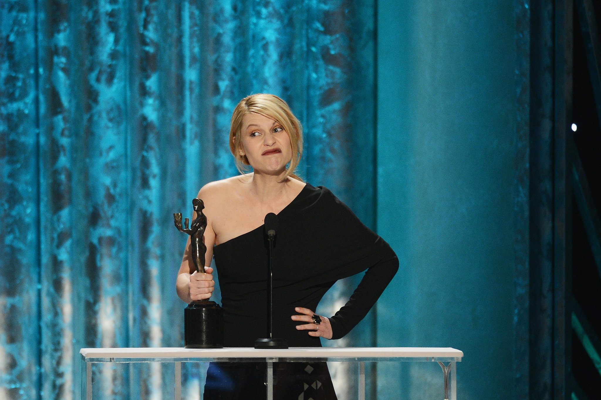 Claire Danes got a few laughs during her acceptance speech for Homeland at the SAG Awards.