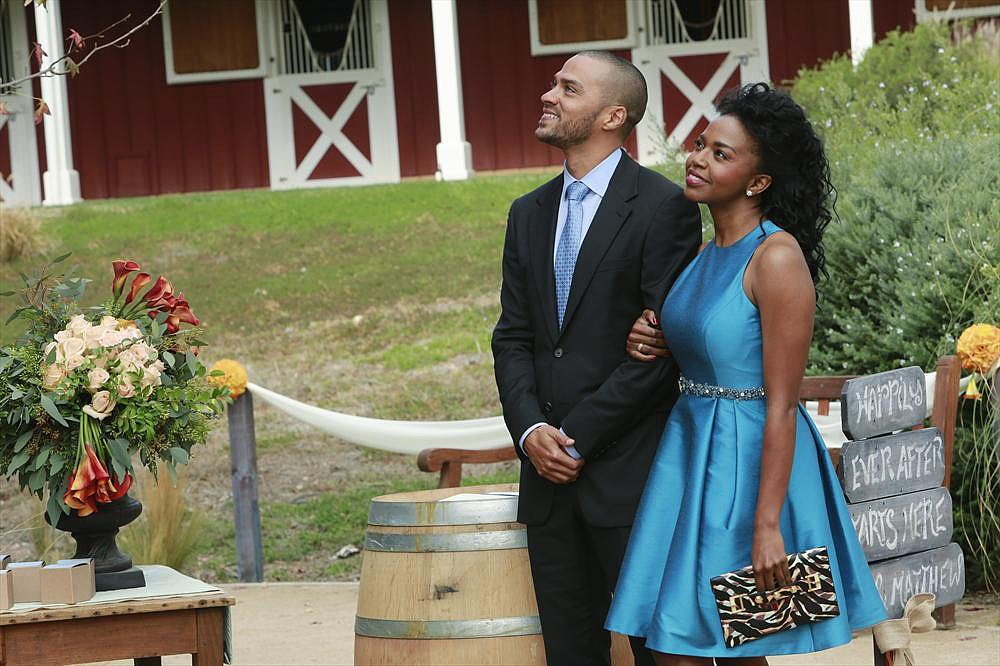 Jackson and Stephanie seem fine before the wedding! Little did we know, Jackson's about to drop a major bomb.