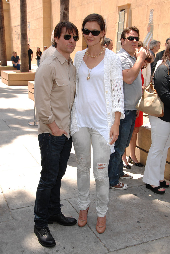 Styling a fresh palette of white and gray plus camel pumps with then-husband Tom Cruise in September 2009.