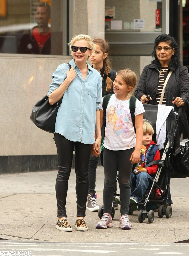 Michelle Williams's daughter, Matilda, wore her mom's face on her t-shirt when they went on a walk in Brooklyn in October.