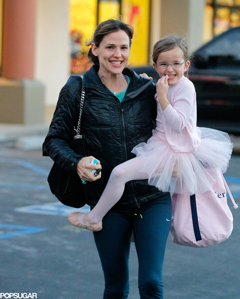 Jennifer Garner and Seraphina Affleck got the giggles while leaving a ballet class in LA on Saturday.