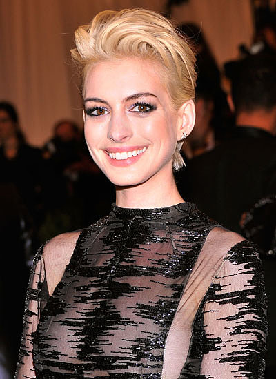 10. Anne Hathaway: Brunette to Blond