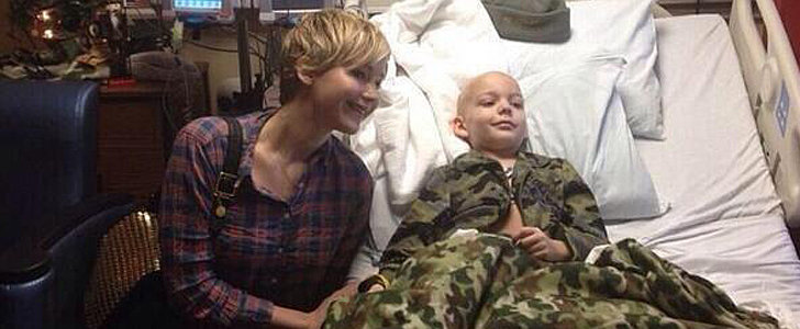 Jennifer Lawrence Spreads Holiday Cheer at a Children's Hospital