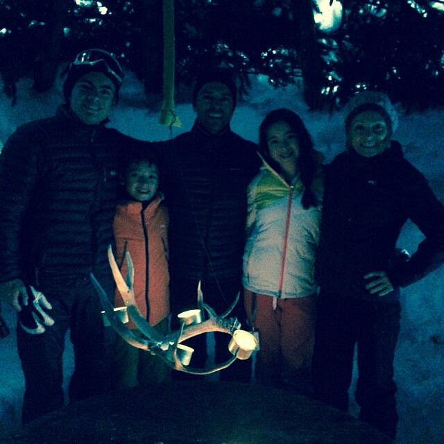 The Ripa-Consuelos family ushered in the New Year with a lunch in an igloo. Source: Twitter user KellyRipa