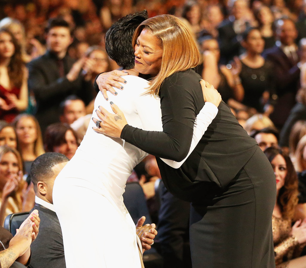 Jennifer hugged Queen Latifah.