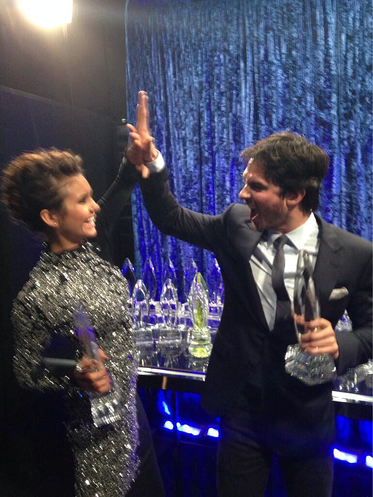 Nina and Ian high-fived backstage. Source: Twitter user peopleschoice