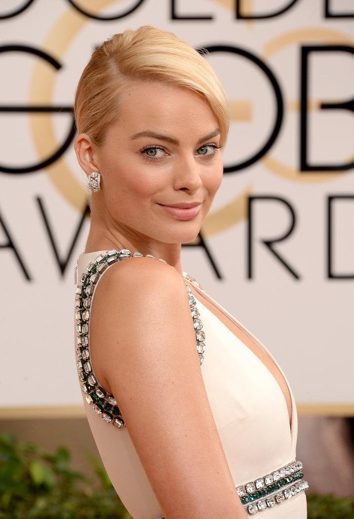 Margot Robbie Cracks Jokes at Her First Golden Globes