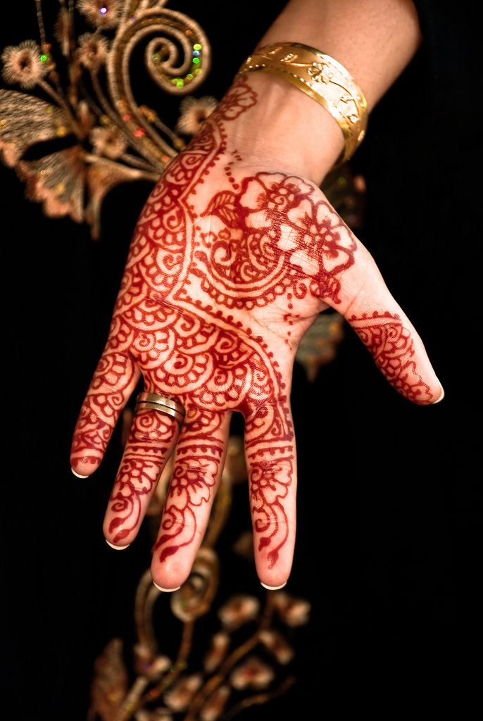 Henna Tattoo Hands Indian : Get a henna tattoo in india things to do before you