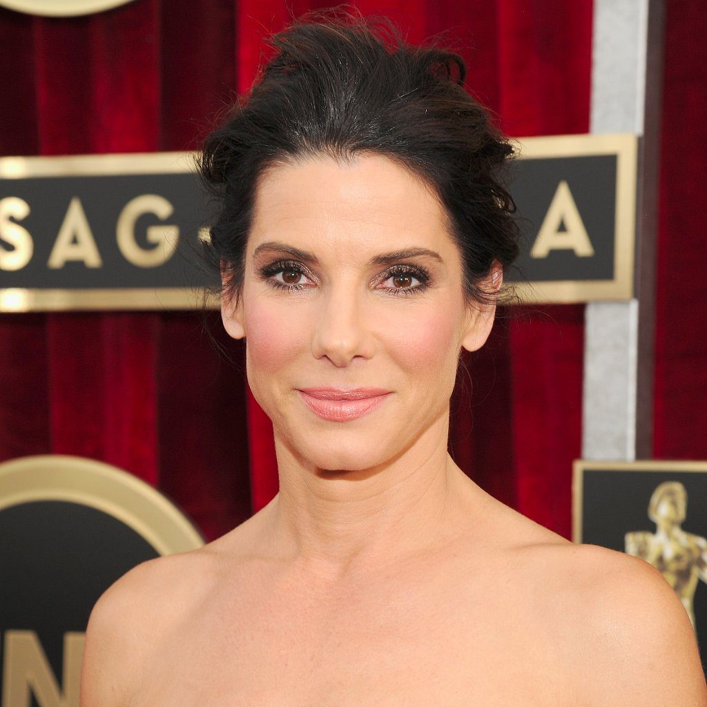 Sandra Bullock's Hair and Makeup at SAG Awards 2014