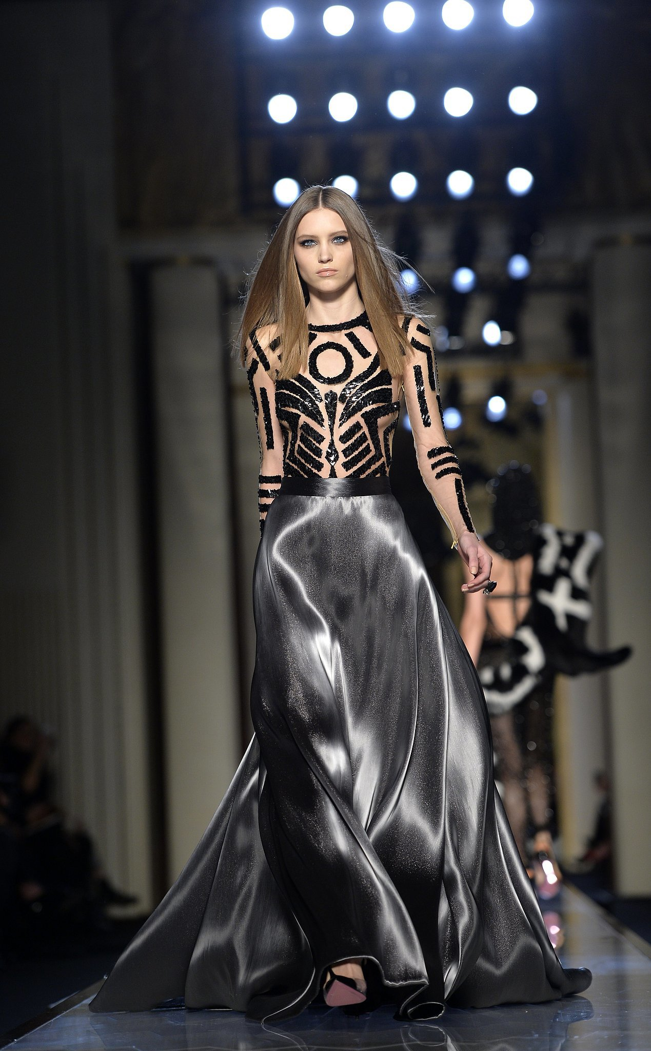 Atelier versace haute couture spring 2014 donatella has for 2014 haute couture