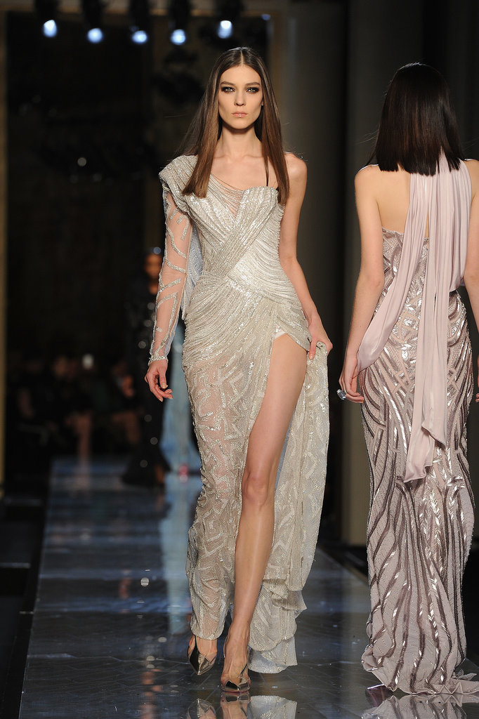 Versace haute couture spring 2014 pictures popsugar for Haute couture atelier