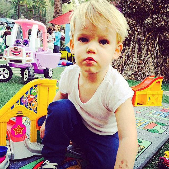 Luca Comrie is looking more and more like a blond version of his dad — including a hockey player-sized bruise. Source: Instagram user hilaryduff