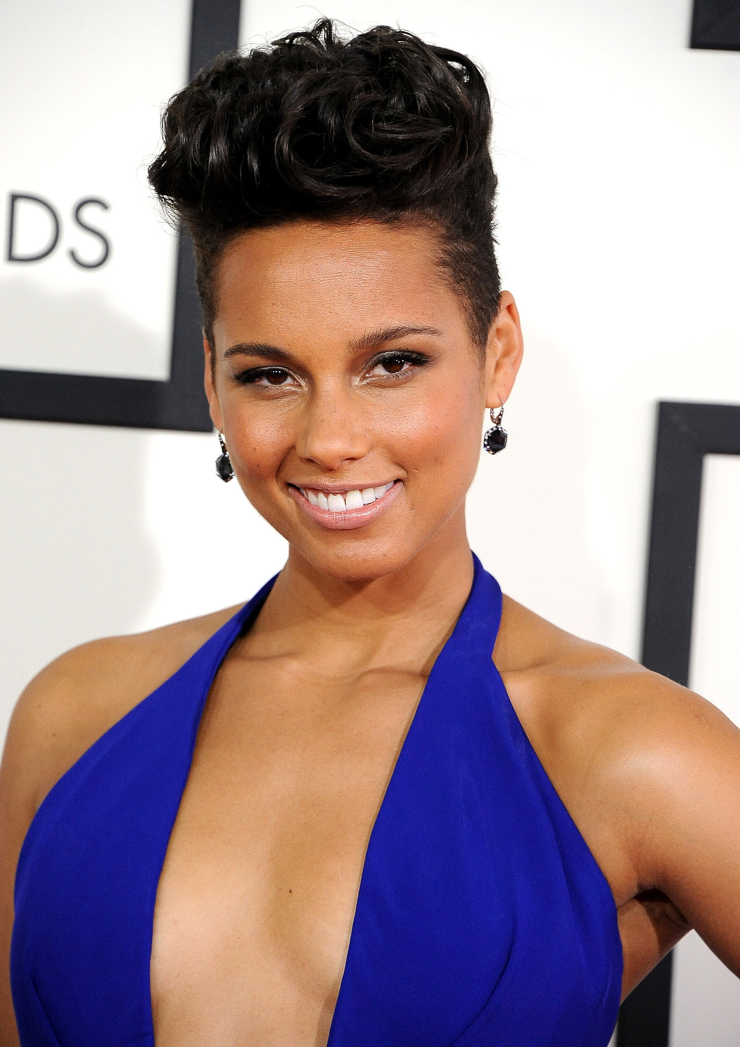 Alicia Keys's Hair and Makeup at the Grammys 2014 | POPSUGAR Beauty