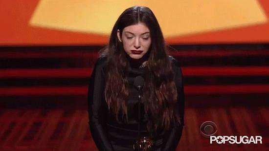Lorde Spazzes Out While Accepting Her Grammy Award